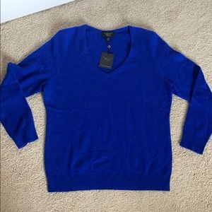 Brand new 100% Cashmere sweater.